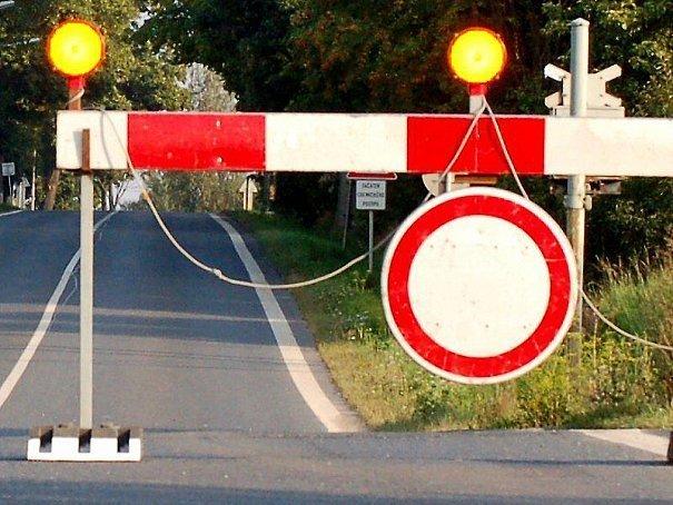 uzavírka silnice na Rožmberk